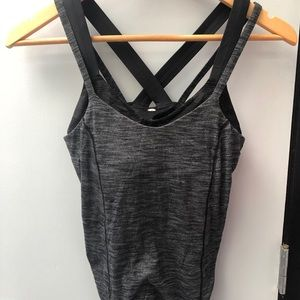 lululemon athletica Tops - Lululemon sz 6 grey&black tank w/ built in bra